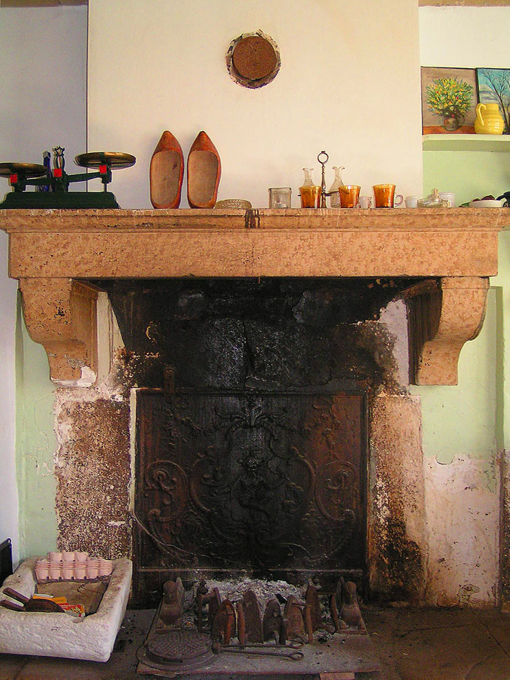 Chemin e ancienne - Mettre un poele a bois dans une cheminee ...